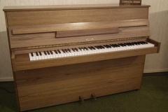Hellas-Piano 104 M